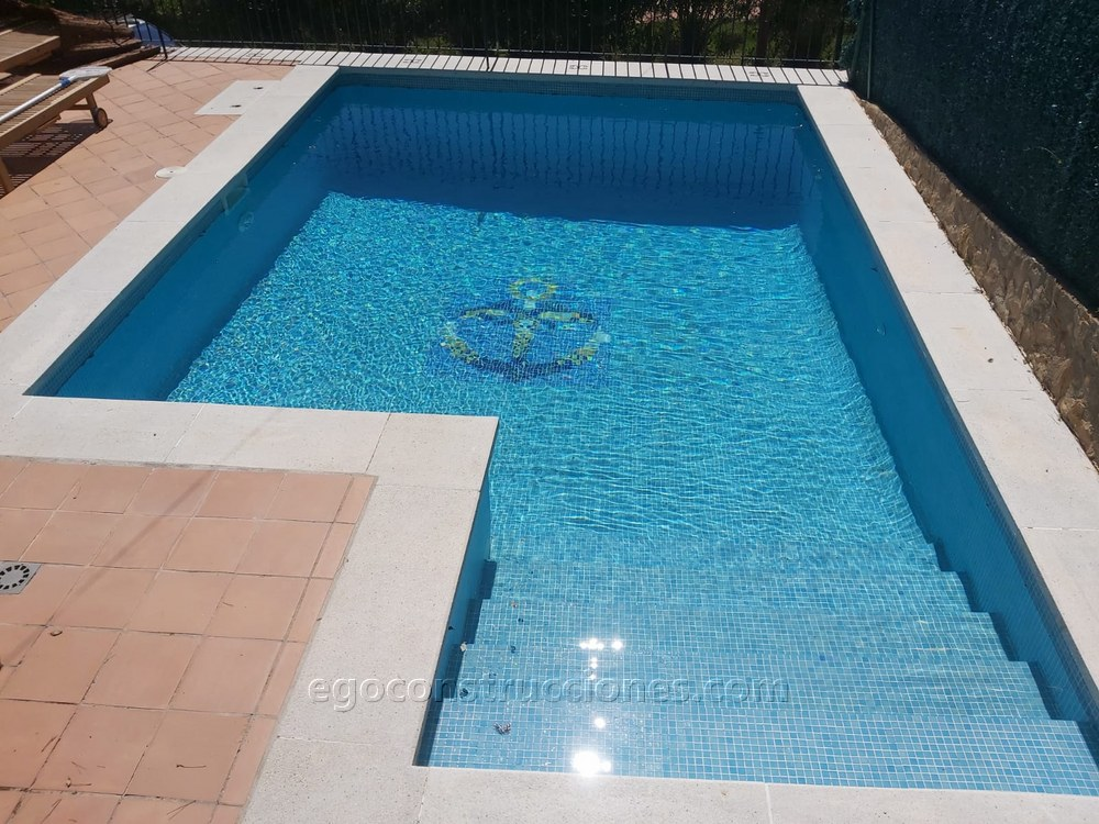 Construccion piscinas hormigón y gresite Girona